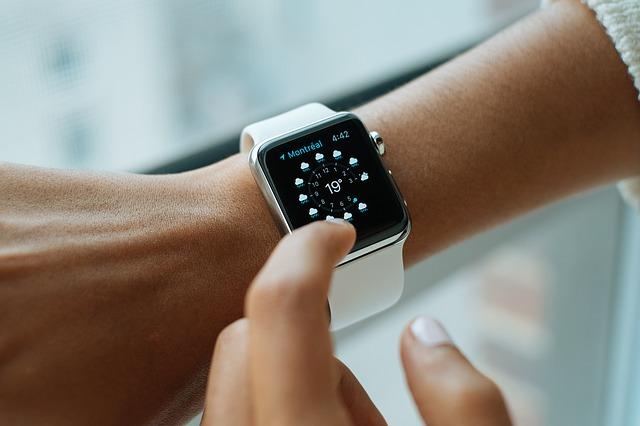 De toekomst van media wordt bepaald door ons kostbaarste bezit: Tijd, Hans van der klis, MediaFacts