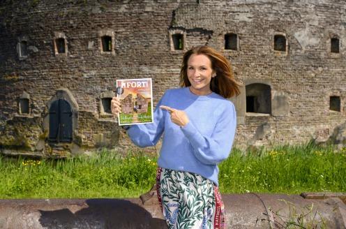 Gloednieuw FORT! Magazine overhandigd aan Leontien Ruiters!
